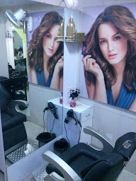 Belli's Beauty Parlour photo 2
