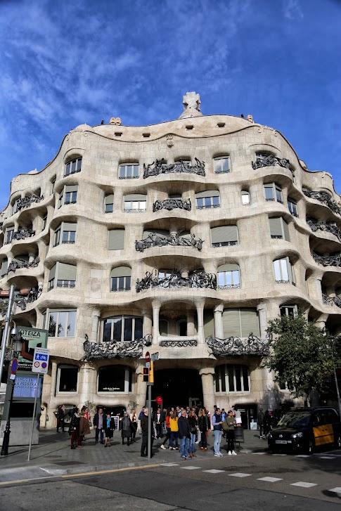 Barcelona, Casa Milà, co warto zobaczyć w Barcelonie