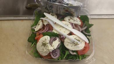 Photo: Spinach and Mozzarella Salad