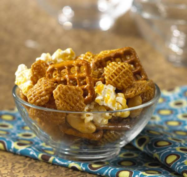 Caramel Popcorn And Chex Mix