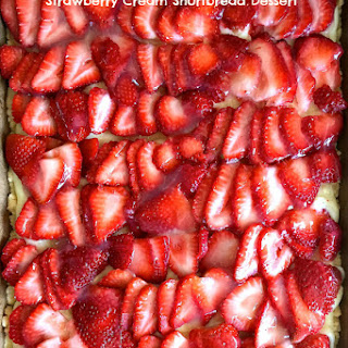 Strawberry Cream Shortbread Dessert