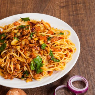 Hearty Spaghetti With Olive Oil Sauce