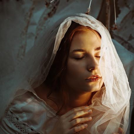 Свадебный фотограф Анна Казакова (BESSOMNENIY). Фотография от 01.02.2018