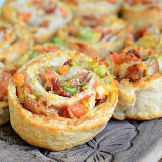 Bacon Gruyère Pizza Pinwheels