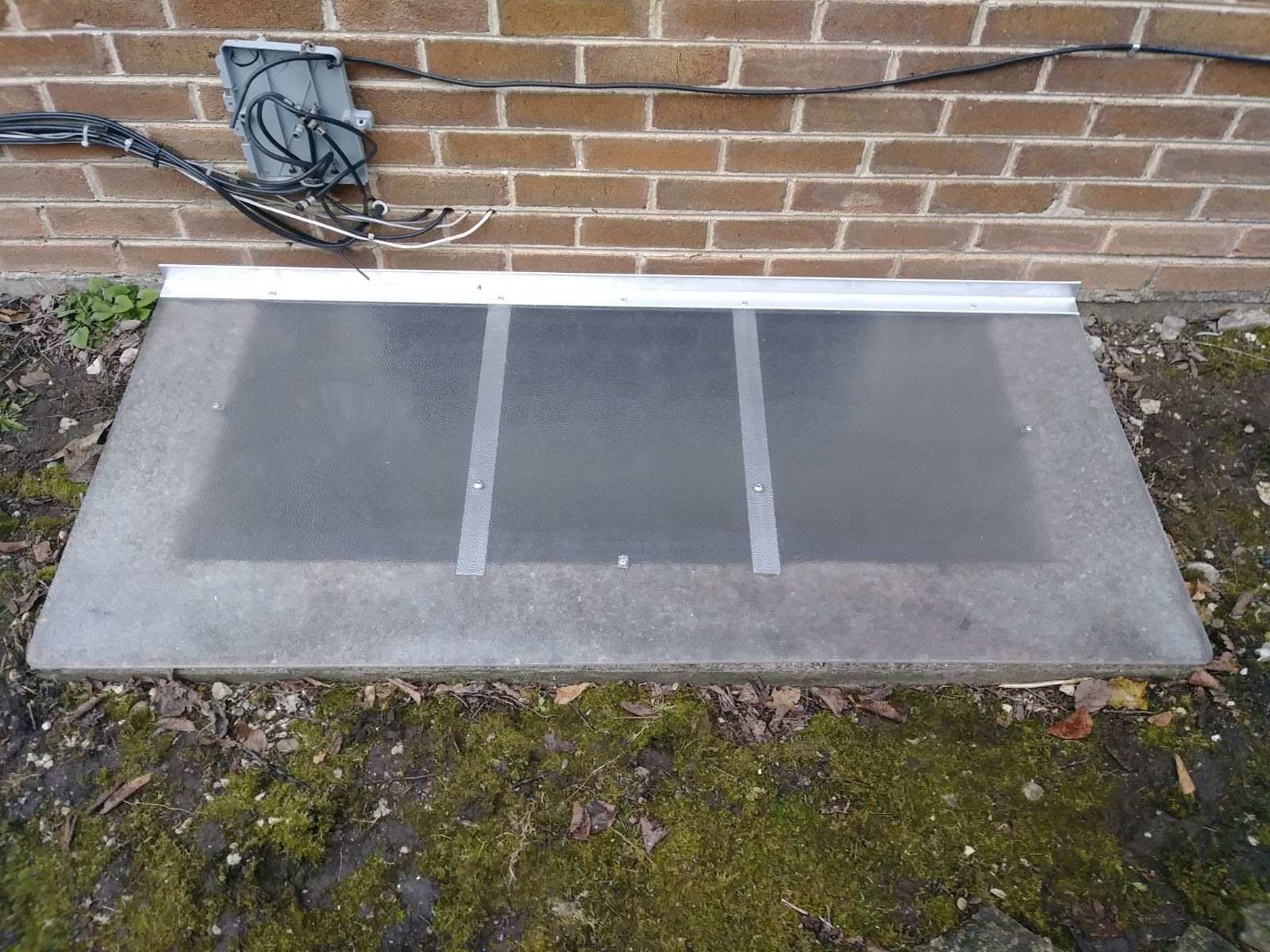 Orland Park, IL-HandyManny Custom Window Well Covers