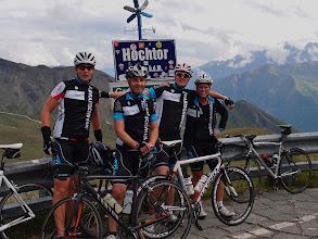 Photo: Marijn, Peter, Dirk en Nicole op de Hochtor.