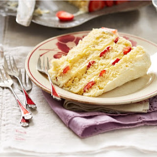 Italian Custard Sponge with Strawberries Recipe