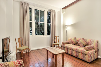 Pyrmont Street Serviced Apartments