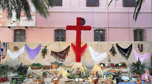 Angustias y los vecinos de Venta Gaspar ganan el Concurso de las Cruces de Mayo