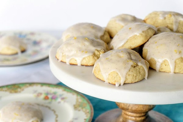 Vanilla Bean Ricotta Cookies & A Giveaway Recipe