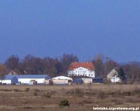 Photo: Pałac w Henrykowie widziany z lotniska