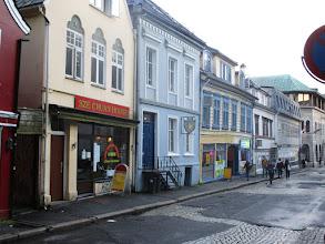Photo: Low budget food ulička v Bergenu ^^