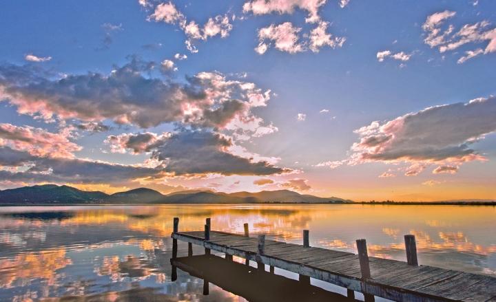 Alba sul lago di vagero