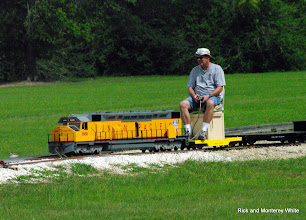 Photo: Carroll Enders with his electric drive DD 40.  HALS - SWLS 2009-0523