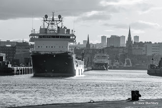 Photo: Aberdeen Harbour from Pocra Quay