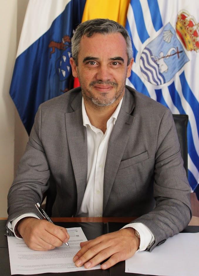 Tercer Teniente de Alcalde D. Jesús Ezequiel Domínguez González