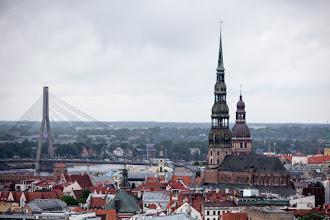 Photo: L'église St Pierre et la cathédrale du Dome