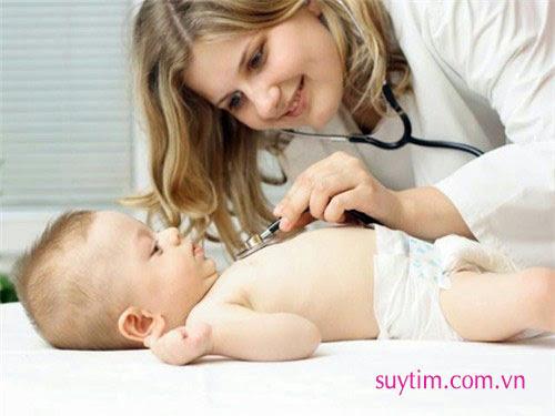 Trẻ mắc dị tật tim bẩm sinh cần được khám sức khỏe định kỳ