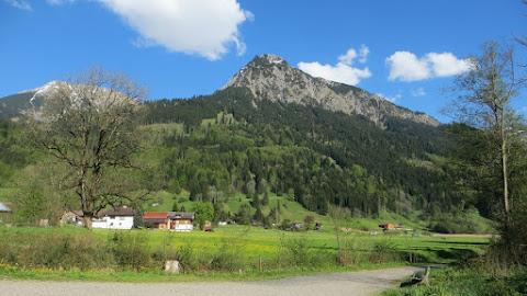 Illerursprung wandern von Fischen nach Oberstdorf Allgäu