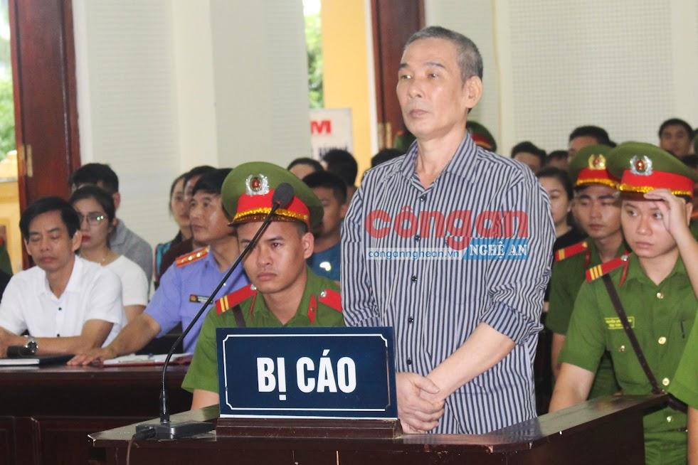 """Nhiều đối tượng đã nhận bản án thích đáng vì hành vi chống phá Nhà nước (Trong ảnh: Lê Đình Lượng bị tuyên phạt 20 năm tù về tội """"Hoạt động nhằm lật đổ chính quyền nhân dân"""")"""