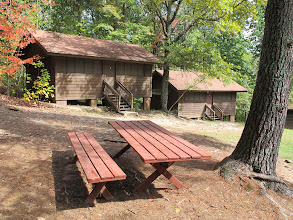 Photo: Yoki cabins 4, 3 and picnic area