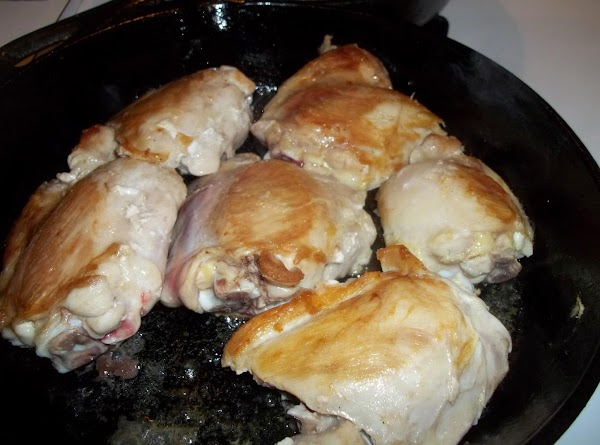 In a large skillet, heat oil over medium heat. Add chicken; cook 8-10 minutes...
