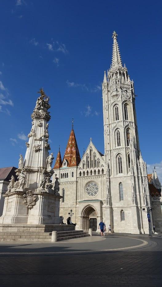 外觀極為吸睛的馬提亞斯教堂