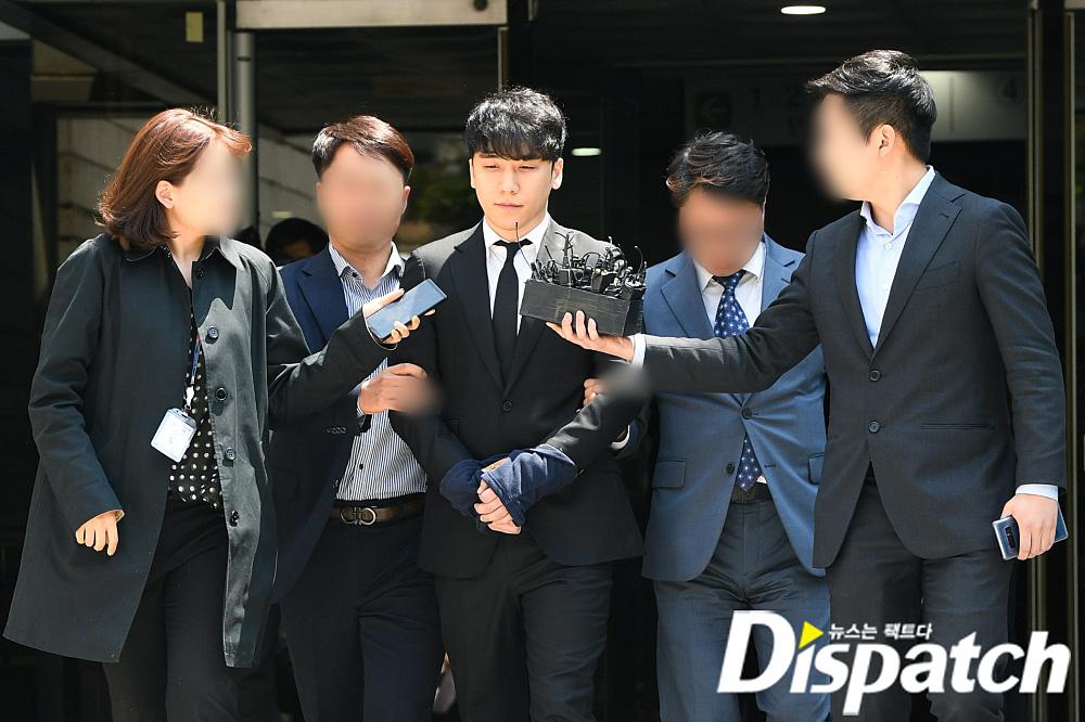 seungri handcuffed 4