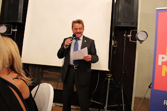 Photo: Niko Endres, int. President speaking to the Gala Evening Audience......