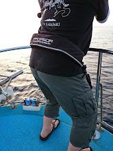 Photo: 今日はミヨシで釣っている「この人」もハイテンション!