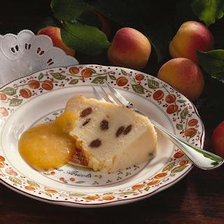 Quarkpudding mit Aprikosensauce