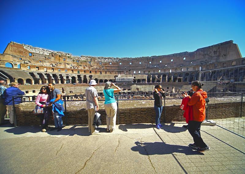 Ombre Sotto Al Colosseo di cesare carusio