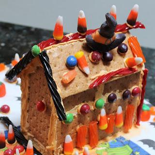 DIY Graham Cracker Haunted Houses