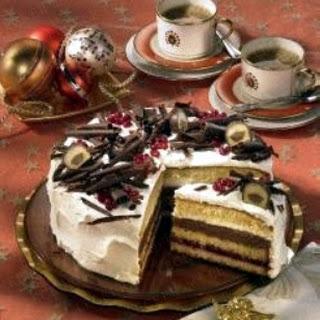 Preiselbeer-Mozart-Torte