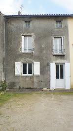 maison à L'Absie (79)