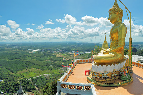 Amazing view over Krabi from the top of Wat Tam Suea