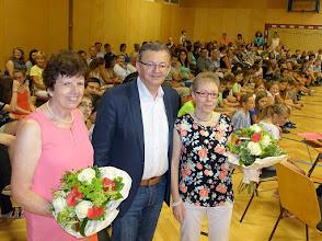 Photo: Dank an die beiden Klassenvorstände der vierten Klassen (Spenling Gertraude und Bayer Verena)
