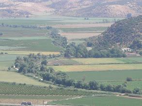Photo: Küçük Menderes Nehri ve Menderes Ovası Mandalin-Şeftali Bahçeleri-Üzüm Asmaları Keçi Kalesi - 16.05.2010