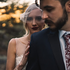 Wedding photographer Dusten Jones-Lapointe (dustenryen). Photo of 12.12.2018
