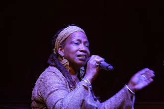 Photo: Betty Shirley performs - Photo courtesy of Lee Stephenson