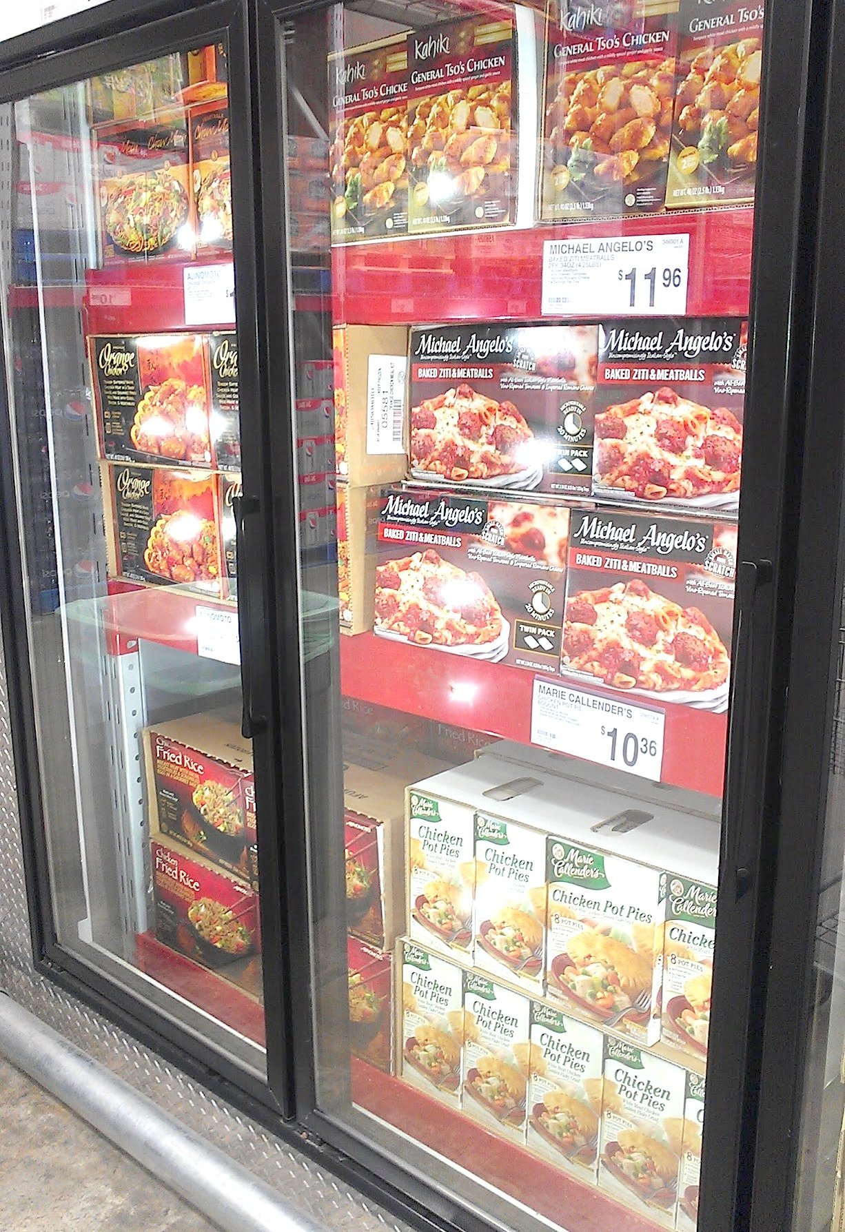 Photo: When I got to the frozen foods aisle in Sam's Club, I found lots of large meals for families. This might be a good place for Hubby and I to stock up at the beginning of the month when I get paid. There were so many choices from chicken, lasagna, spaghetti and pot pies.