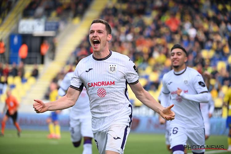 STVV krijgt (beetje) gerechtigheid met goal in absolute slotfase nadat Anderlecht twee lichte strafschoppen kreeg