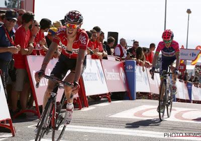 Amateurisme in Vuelta gaat verder: De Clercq aangereden door UCI-commissaris
