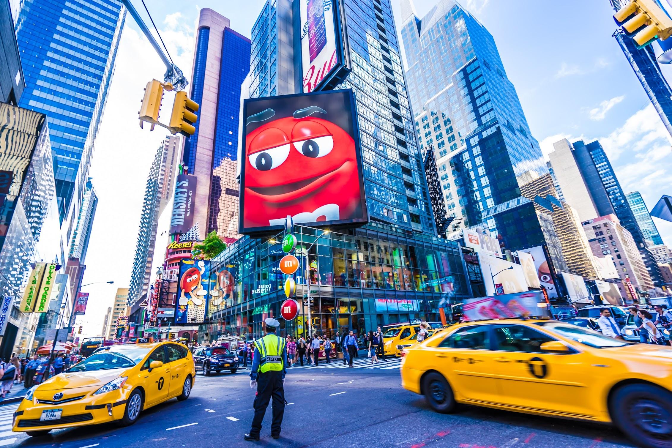ニューヨーク タイムズスクエア M&M's エムアンドエムズ