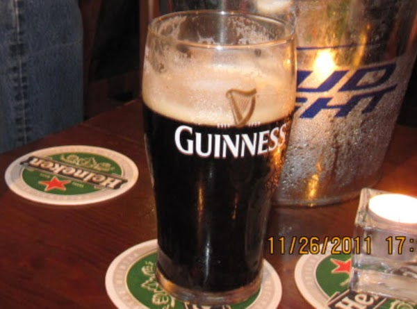 Serve with Irish Oakcakes and a pint of Guinness.