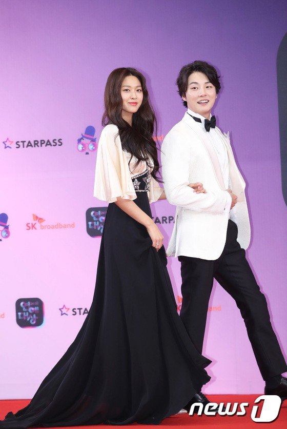 seol gown 25