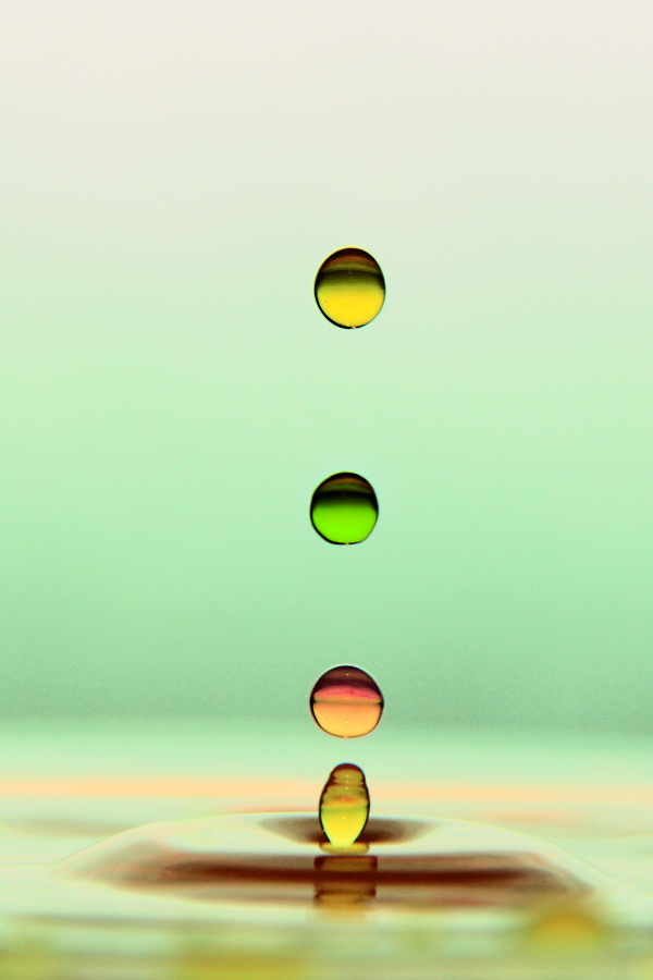 by Uchie Musfita - Abstract Water Drops & Splashes