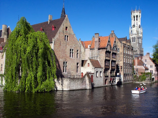 Bon Vivant by Bike and Boat: A Cycling Holiday from Bruges to Paris