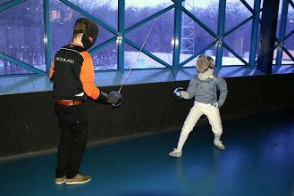 Photo: nog even een beetje training voordat er geschermd gaat worden...