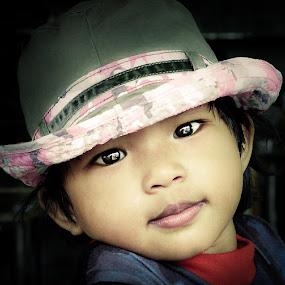 my girl by Izhar  Hj.Ishak - Babies & Children Child Portraits